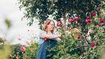 Willine plukt duurzame bloemen uit eigen tuin